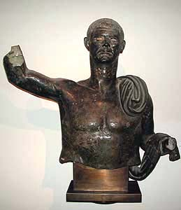 museo-etrusco-estatua-viril1