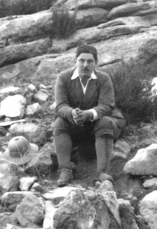 Bosch Gimpera en el yacimiento ibérico del Tossal Redó (Calaceite, Bajo Aragón), entorno a 1920.  Museu d'Arqueologia de Catalunya